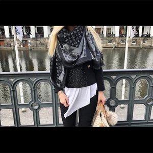 LV gray scarf